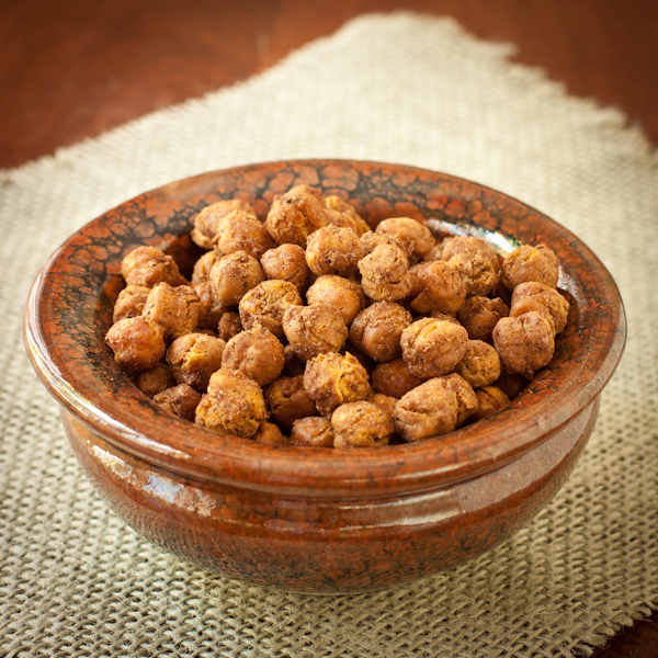 Crunchy spiced chickpea snack