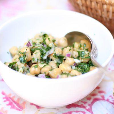 Provençal chickpea salad