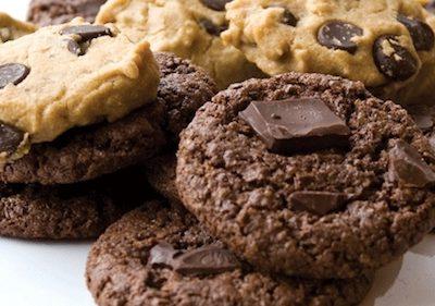Homestyle chocolate chip cookies by Dreena Burton @PlantPoweredKitchen