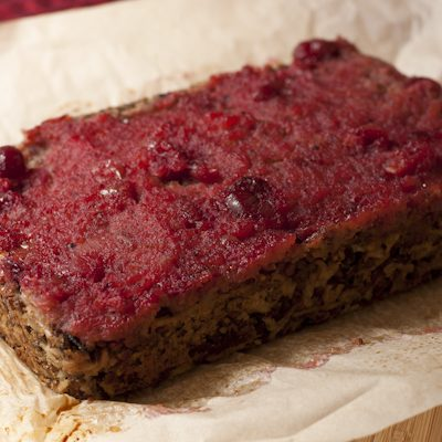 "Stuffing ""neat"" loaf with cranberry sauce glaze"