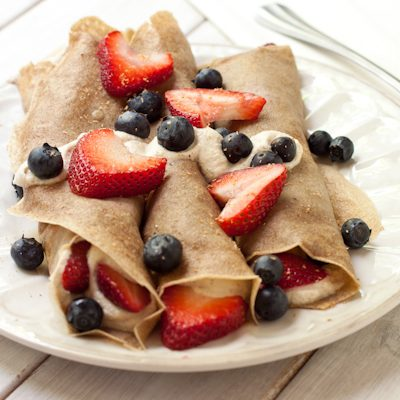 Berry crepes with ricotta cheese