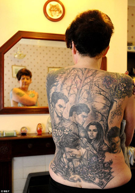 """This Woman Has Way Too Much """"Twilight"""" Stuff Tattooed on Her Back"""