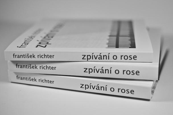 Zpivani o Rose, book