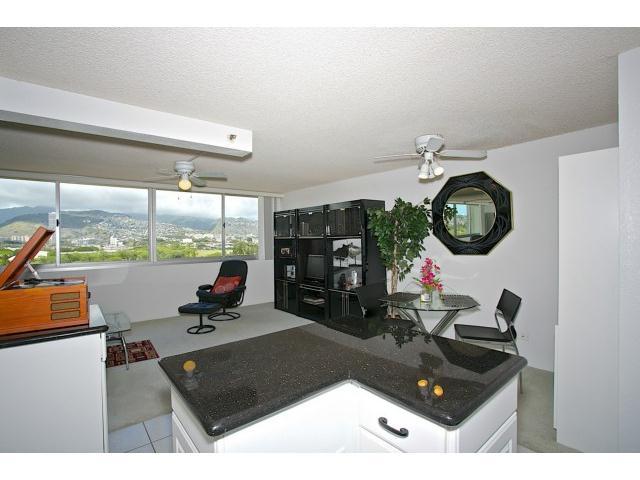 445 Seaside Avenue 802, HONOLULU, HI 96815