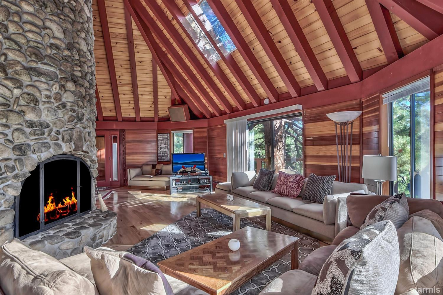 1310  Wildwood Avenue, SOUTH LAKE TAHOE