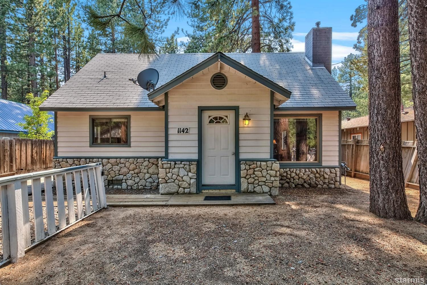 1142  Carson Avenue, SOUTH LAKE TAHOE