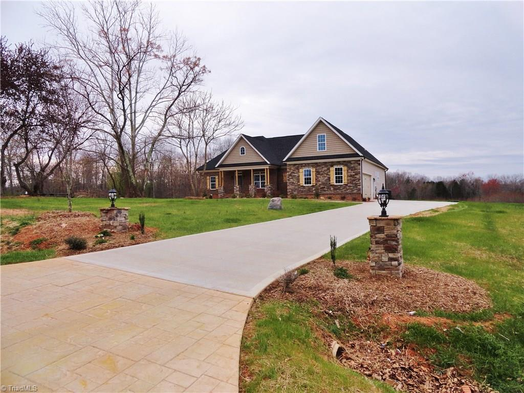 8511   Richardsonwood Drive, BROWNS SUMMIT