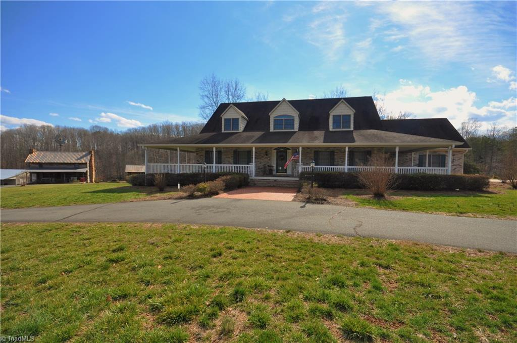 2440   Griffin Road, RURAL HALL