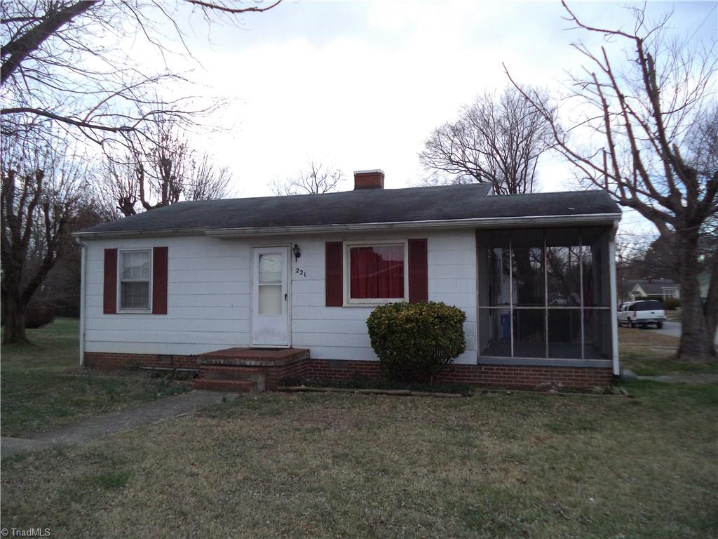 221   Railroad Street, KERNERSVILLE