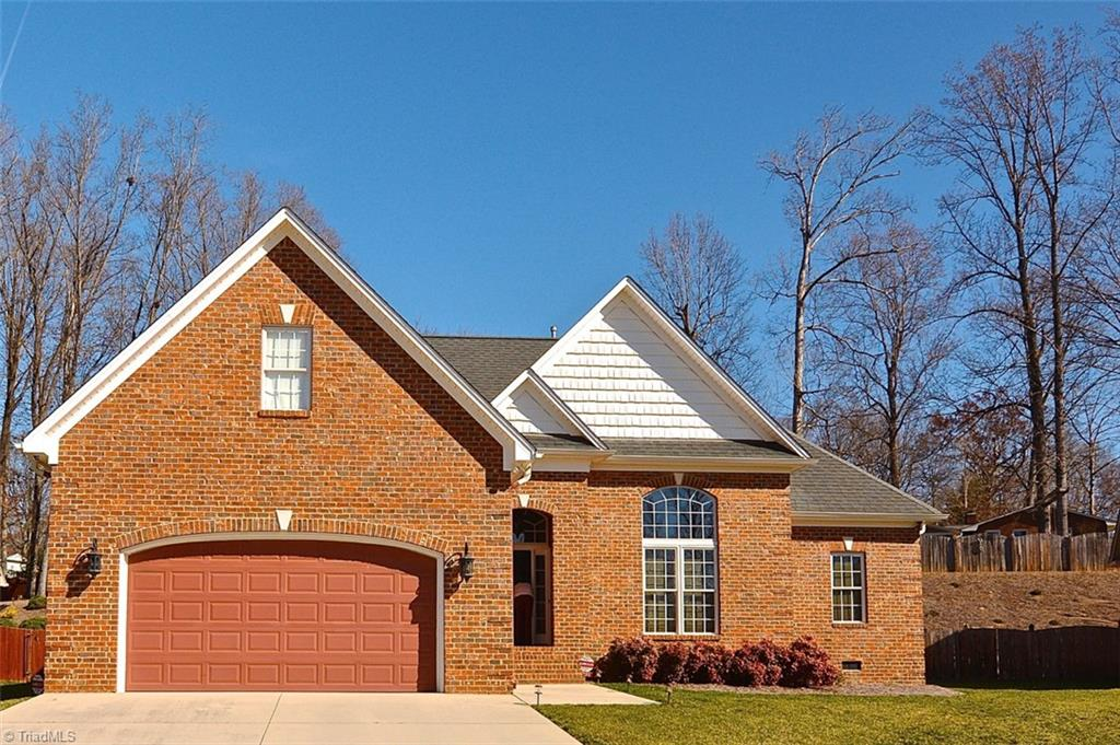 6031   White Oak Court, KERNERSVILLE