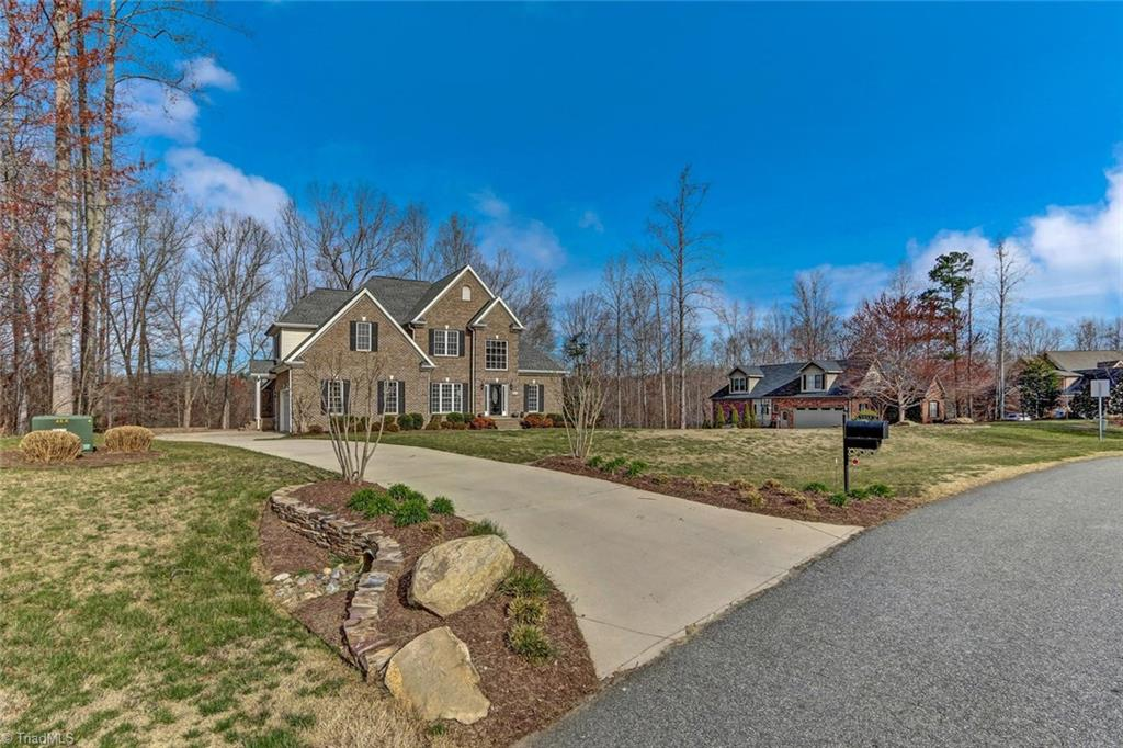 5913   Crutchfield Farm Road, OAK RIDGE