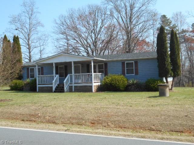2076   Martin Luther King Jr Road, WALNUT COVE