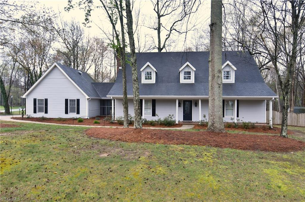 1136   Kingswood Drive, KERNERSVILLE