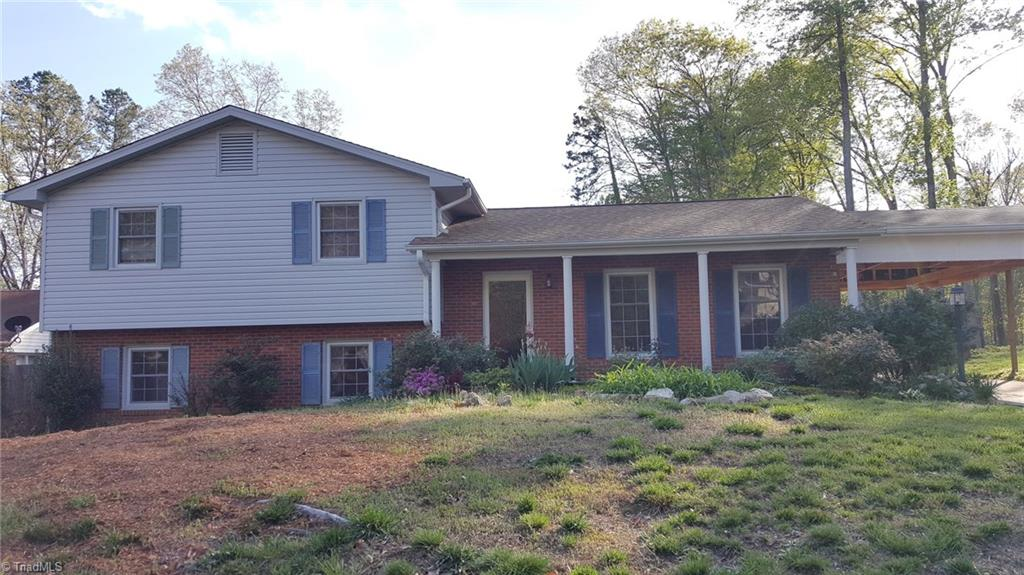 3203   Pine Needles Road, HIGH POINT