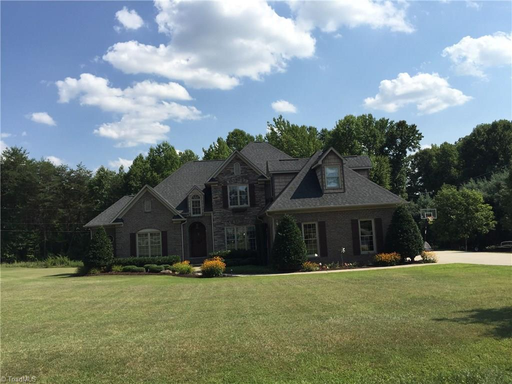 8519   Merriman Farm Road, OAK RIDGE