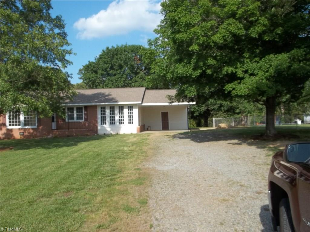 1058   Hill Everhart Road, LEXINGTON
