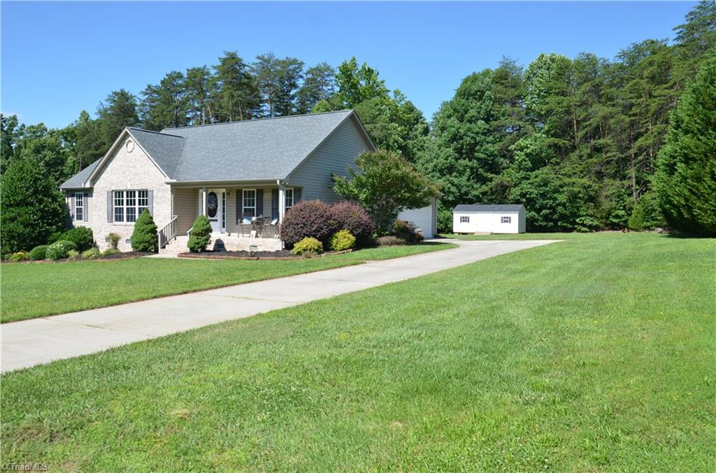 8395   Hunting Court, STOKESDALE