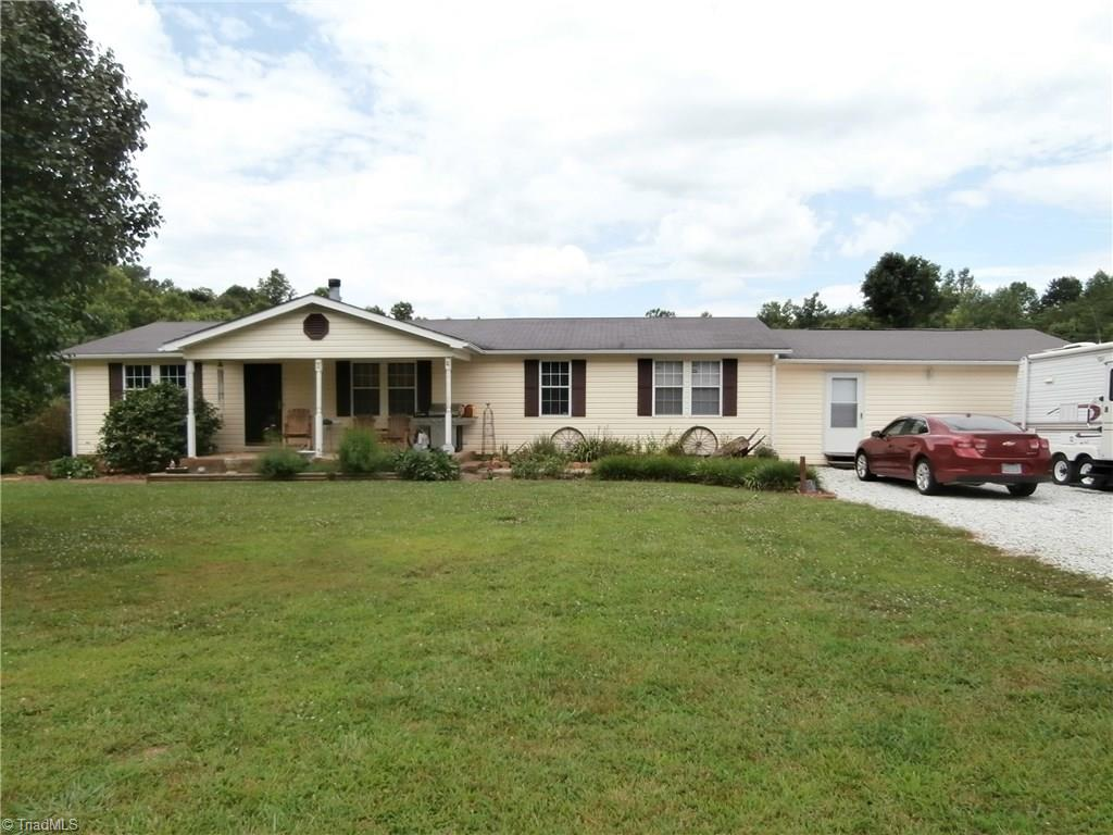 2542   Young Road, WALNUT COVE
