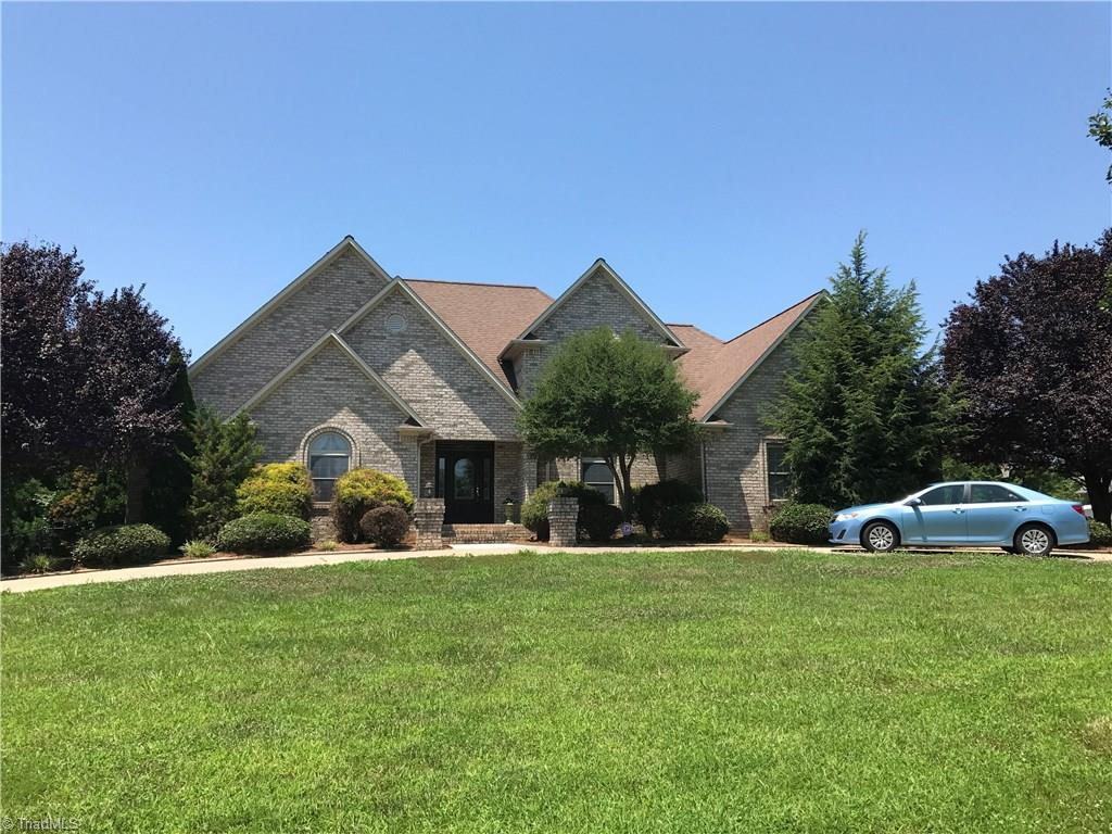 416   Greenfield Drive, LEXINGTON