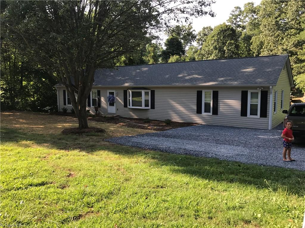404   Sunset Drive, RANDLEMAN