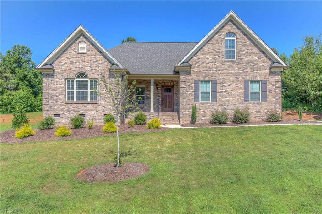 212   Kapstone Crossing, LEXINGTON
