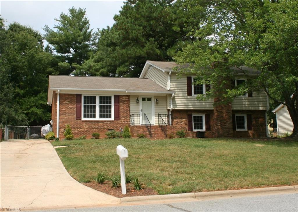 3213   Rolling Road, HIGH POINT