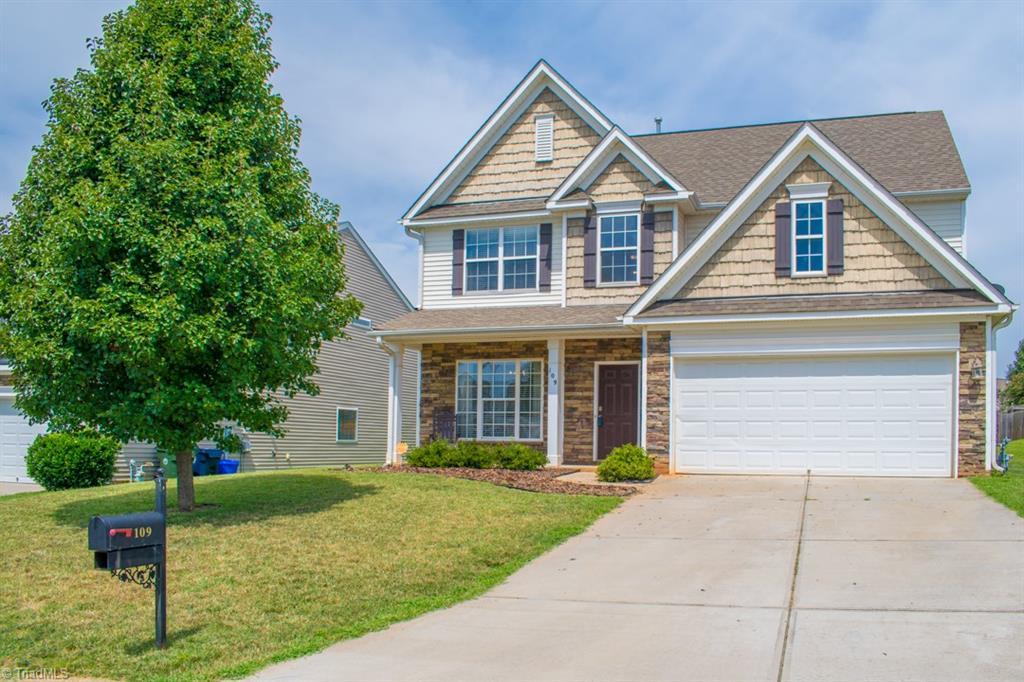 109   Rosemont Lane, LEXINGTON