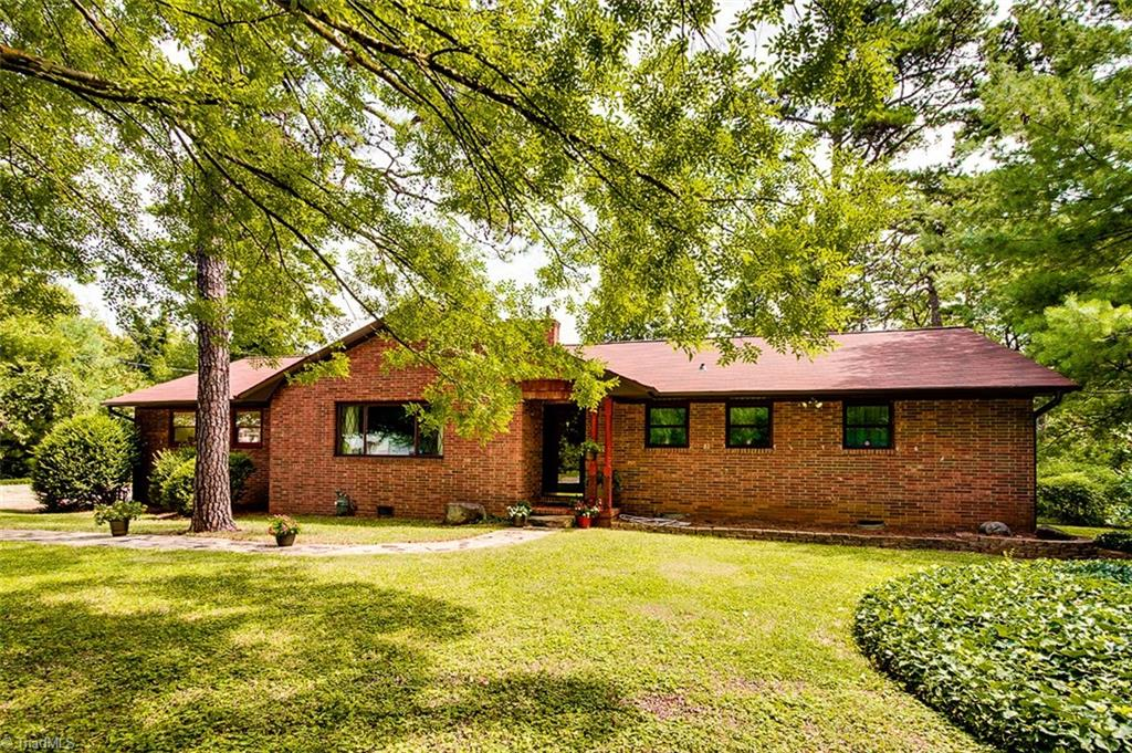 101   Manor Drive, HIGH POINT