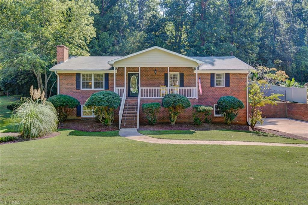 5006   White Oak Drive, LEXINGTON