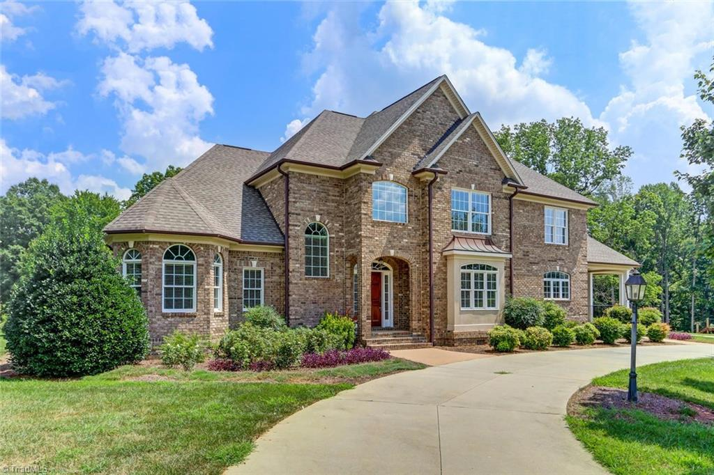 7026   CARRIAGE COVE Drive, OAK RIDGE