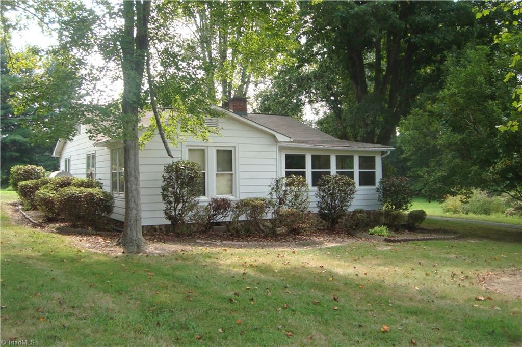762   Arvil Hunt Road, LEXINGTON