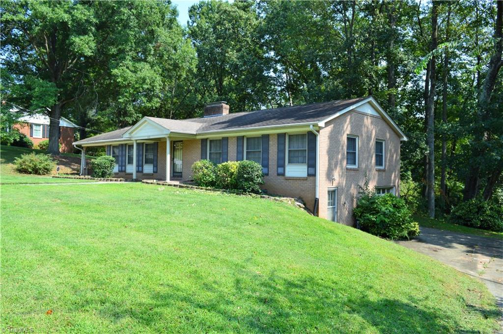 303   Lakewood Drive, LEXINGTON