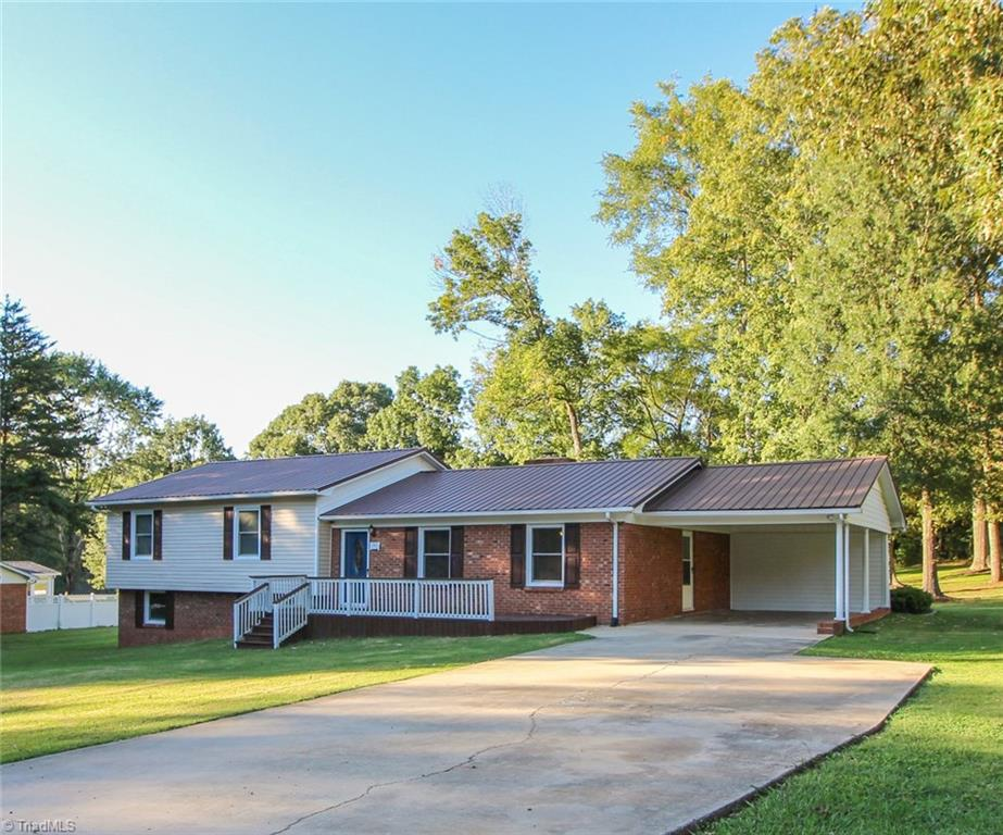 176   Miller Lane, LEXINGTON