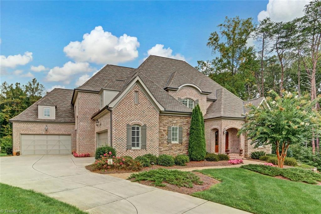 8864   Cravenwood Drive, OAK RIDGE