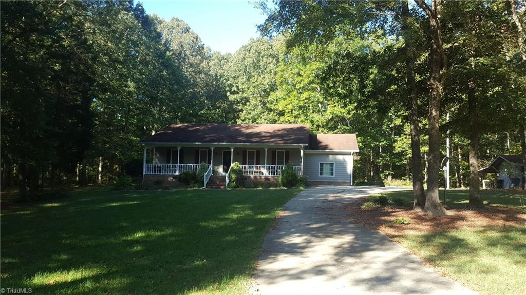 394   Forest Ridge Lane, LEXINGTON