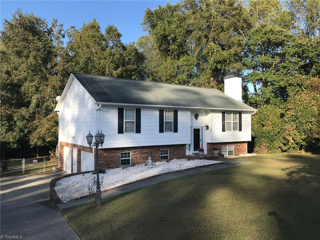 167   Valley Hill Lane, LEXINGTON