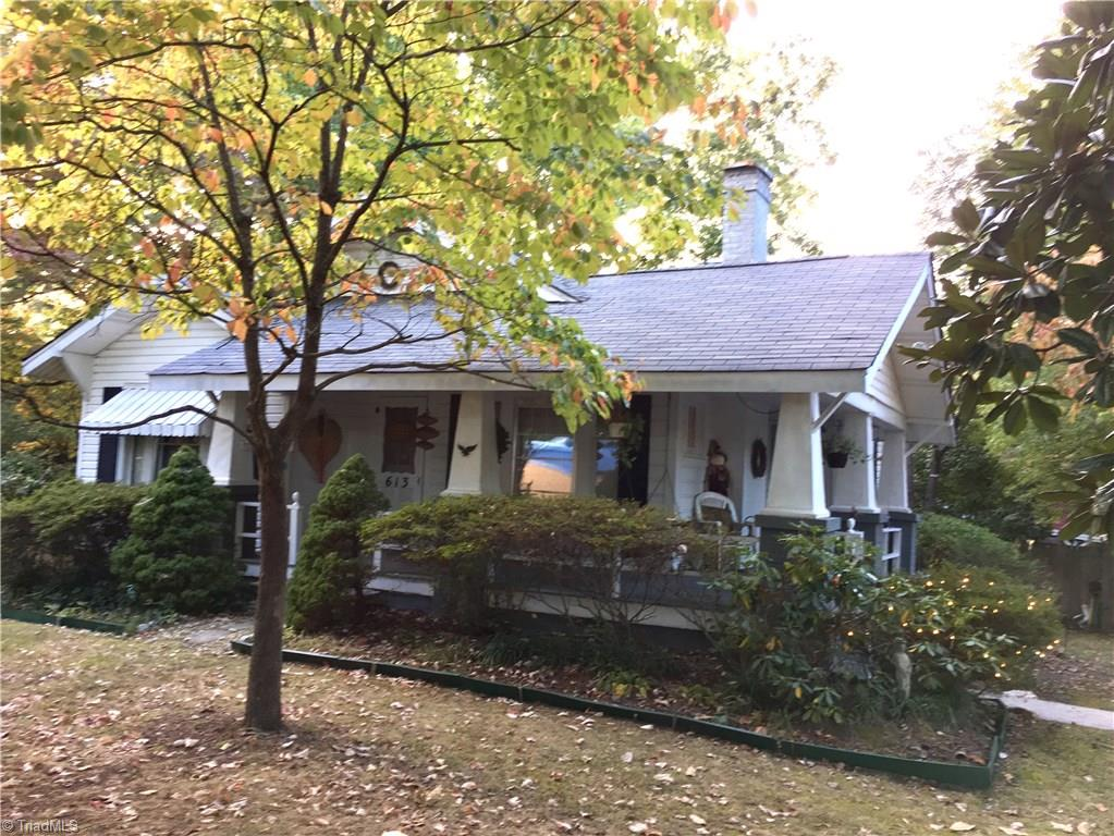 613   Oakview Road, HIGH POINT