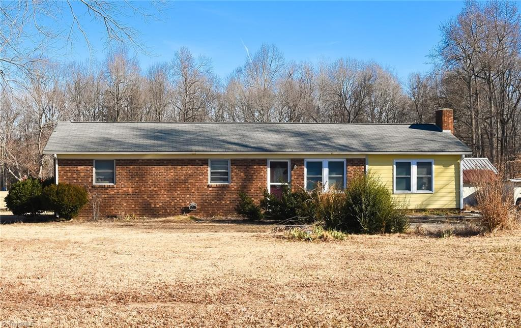 899 Tall Pines Road, LEXINGTON