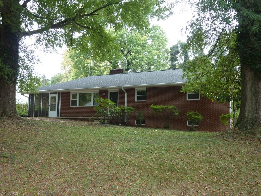 303   LINDALE Drive, HIGH POINT