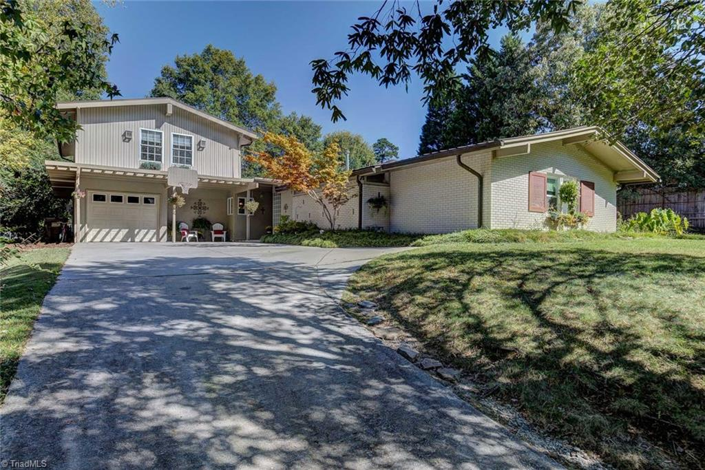 904   Parkwood Circle, HIGH POINT