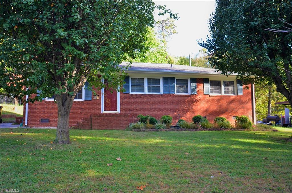 511   Manor Drive, HIGH POINT