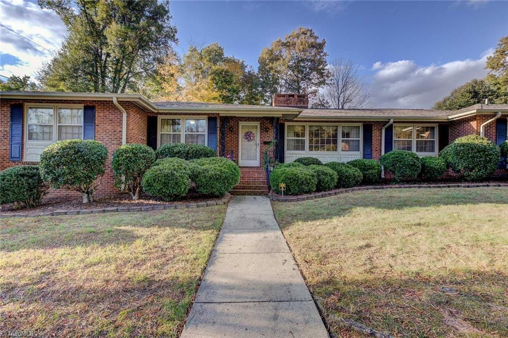 1307   Wales Drive, HIGH POINT