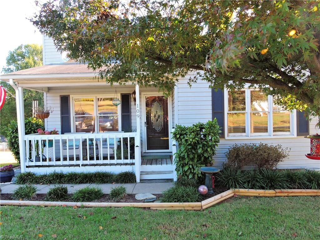 109   Meadow Wood Drive, THOMASVILLE