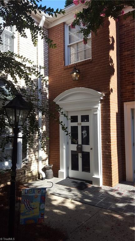 306   Hanover Arms Court, WINSTON SALEM
