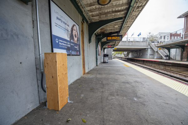 Bayside Station - Installation of New USB Charging Stations Underway - 11-02-18