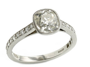 Cushion cut Diamond Ring, 1.64ct