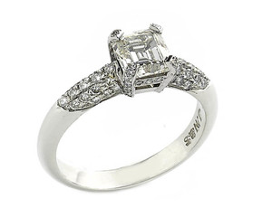 Emerald cut diamond ring, 1.23cts