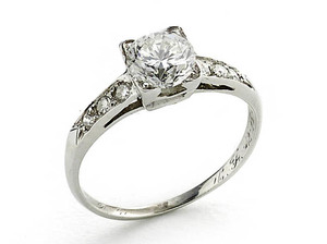 Round Brilliant Cut Diamond Ring, 1.01ct
