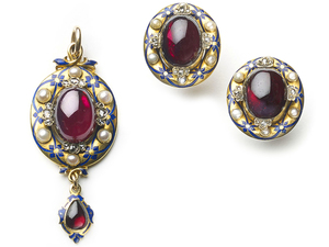 Victorian Holbeinesque Garnet Earrings & Pendant Suite
