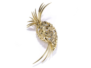 GOLD PINEAPPLE BROOCH
